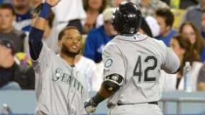 041515-MLB-Mariners-Nelson-Cruz-PI-CH_vadapt_320_medium_0